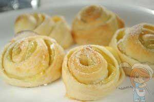 Как приготовить печенье Розочки из слоеного теста