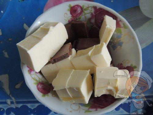 Соединяем шоколад и масло