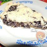 Кусочек пирога с вареньем