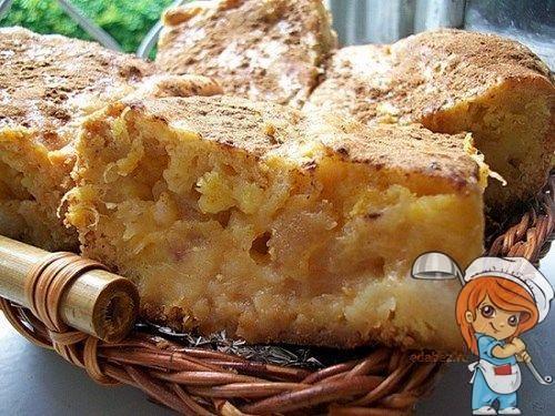 Пирог без масла, с яблоками и манкой