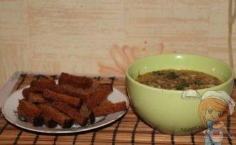 Суп без мяса с гренками