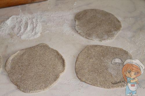 Делаем заготовки для пирожков