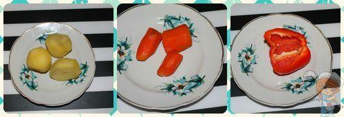 Отделяем желтки, готовим морковку, перец
