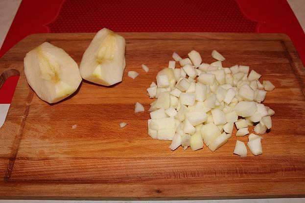 Добавляем яблоко