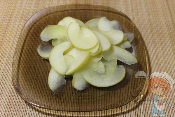 Отваренные яблоки
