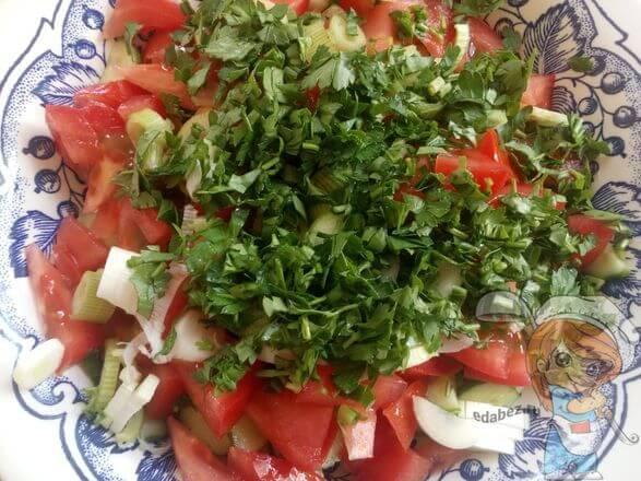 Добавляем петрушку в салат