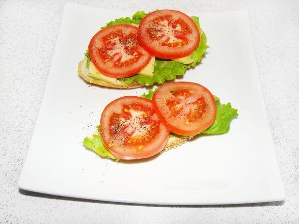 Перекус с листьями салата