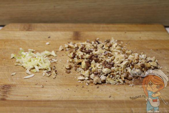Чеснок и орехи