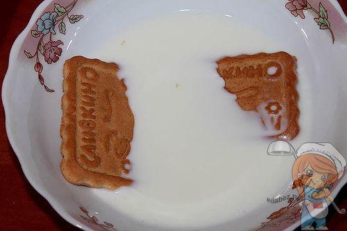 Печенье в молоке