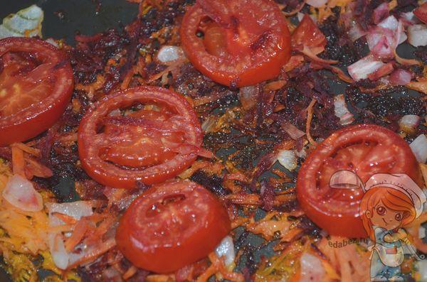 Добавляем томаты