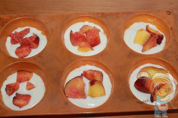 Персики в формах
