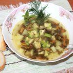 Суп с щавелем и авокадо