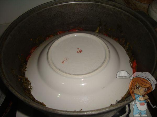 Накрываем тарелкой