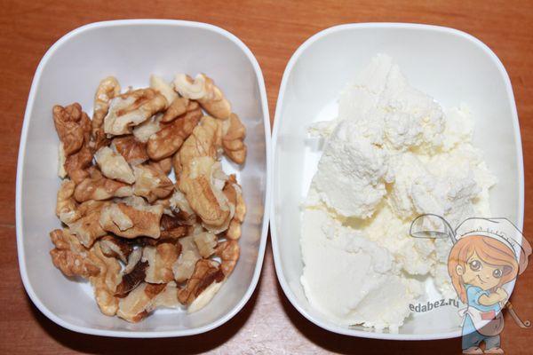 Творог и орехи