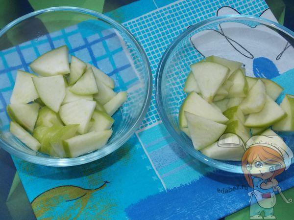 емкости с яблоками