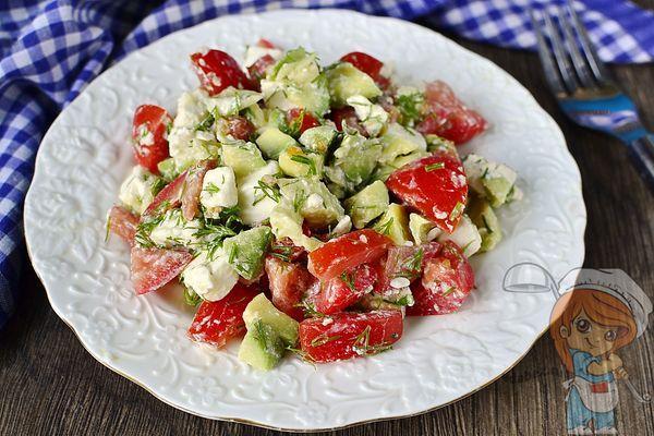 салат авокадо с сыром и помидорами
