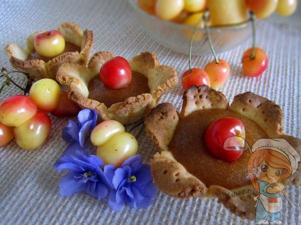 песочное печенье с ягодами