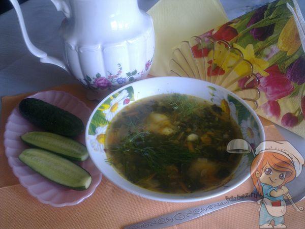 зеленый суп из крапивы и листьев свеклы