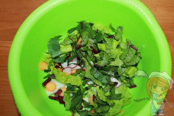 Соединяем компоненты салата