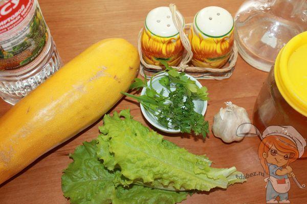 продукты для салата с кабачками и чесноком