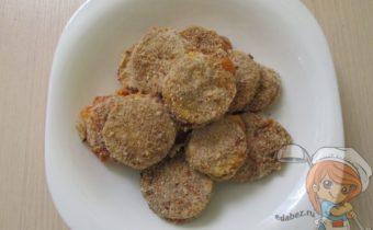 кабачки с сыром в панировке