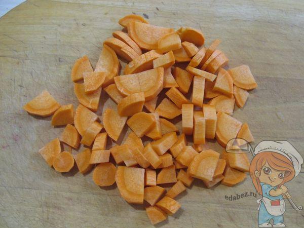 Морковь крупными кусками