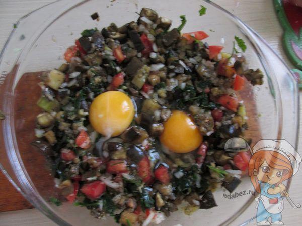 Яйца и сыр к овощам