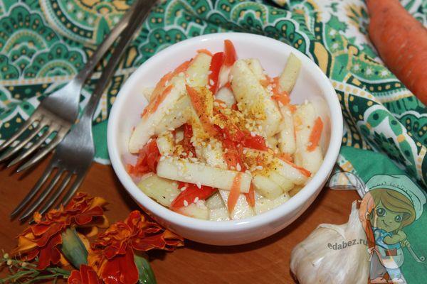 Салат из сырых кабачков по-корейски фото