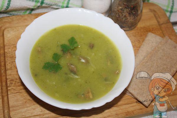 суп с брокколи и грибами