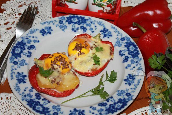 Болгарский перец фаршированный картофелем и яйцом