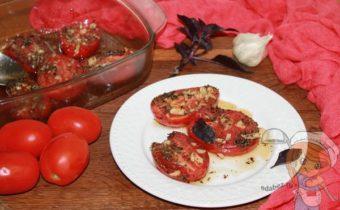 запеченные помидоры с базеликом