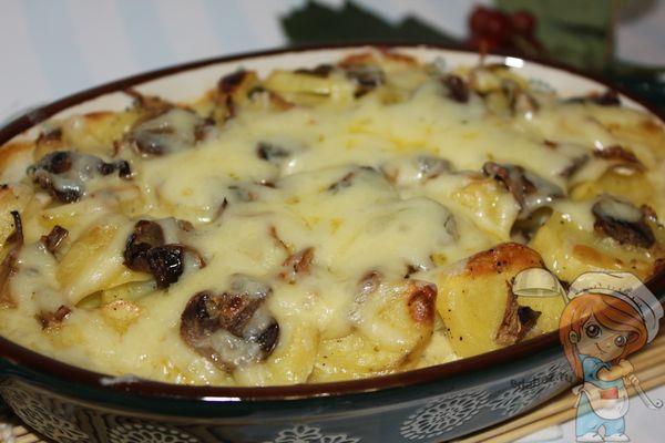 Запеканка из картофеля с грибами и сыром