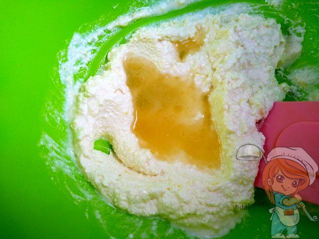 Смешиваем с разведенным желатином