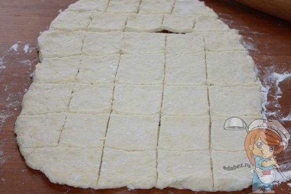 нарезаем тесто