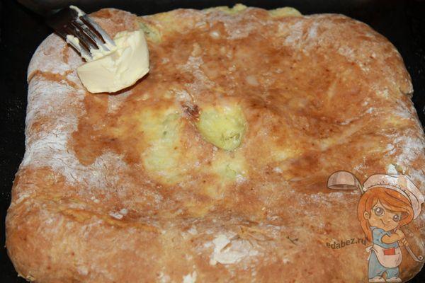 смазываем пирог