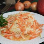 салат морковь, яблоко, лук