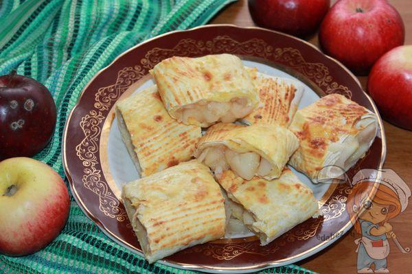 ленивый штрудель с яблоками из лаваша