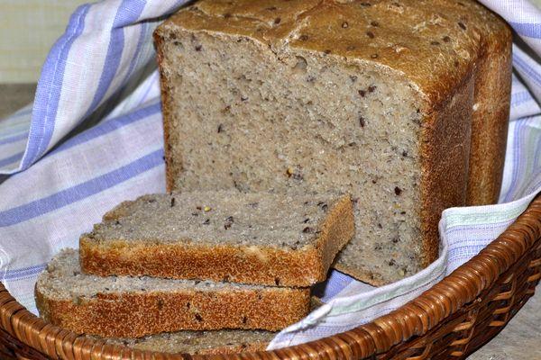 хлеб с семенами льна в хлебопечке