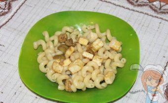 вегетарианская паста, макароны с тофу