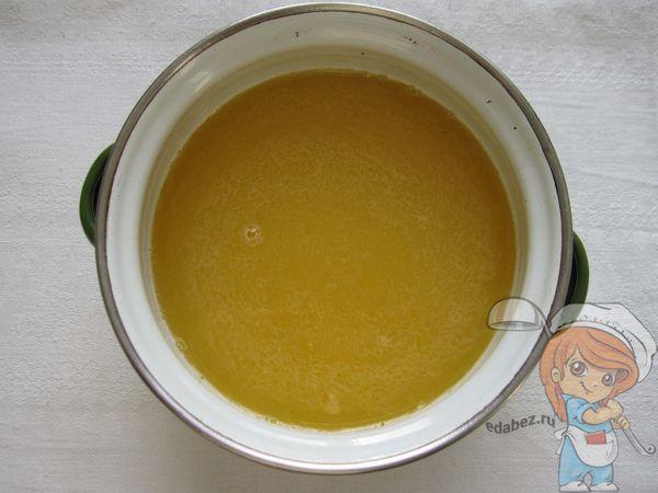 Смешиваем желатин с соком