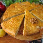 Армянская круглая гата с ореховым хоризом