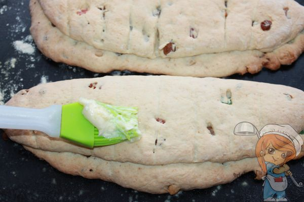 Смазываем пироги