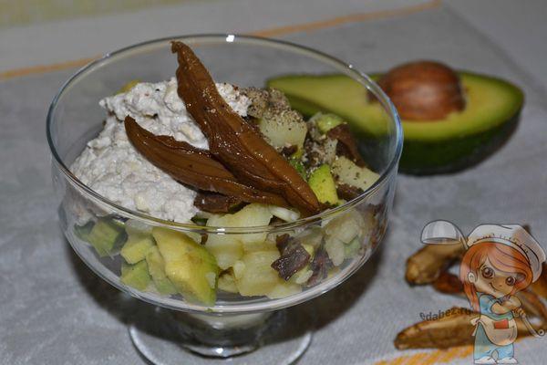 Веганский салат оливье с авокадо