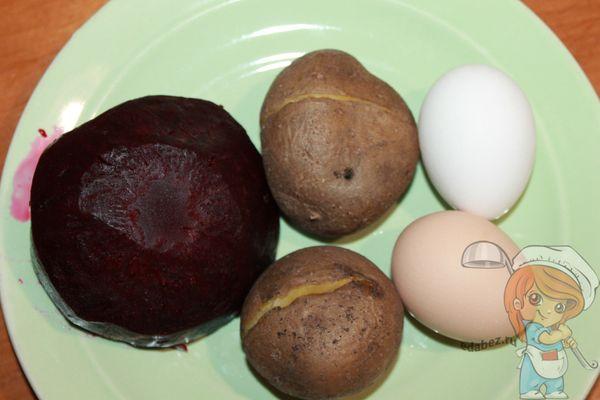отваренные овощи и яйцо