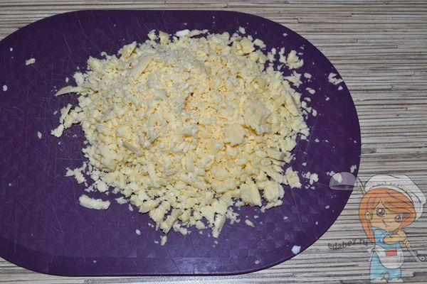 российский сыр на терке