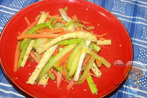 рецепт теплого салата с кабачками и тофу