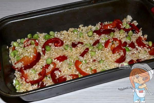 Выкладываем слой риса
