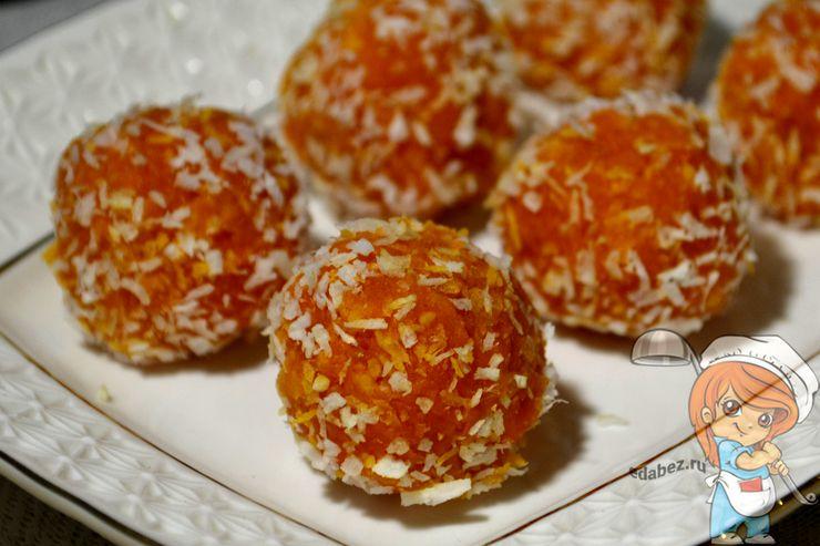 Конфеты из моркови с кокосовой стружкой