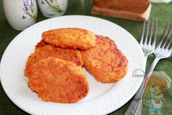 Морковные котлеты с манкой - рецепт с фото