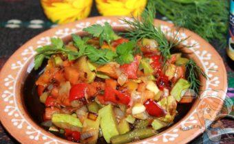 Овощи в соевом соусе в духовке - рецепт с фото